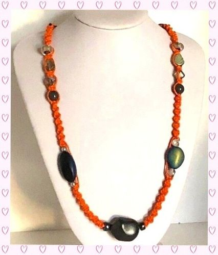 Makramee-Long-Kette mit Perlen Orange